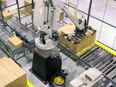 a robot that packs a pallet for shipment